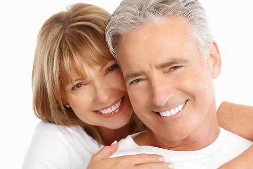 Những vấn đề răng miệng ở người cao tuổi